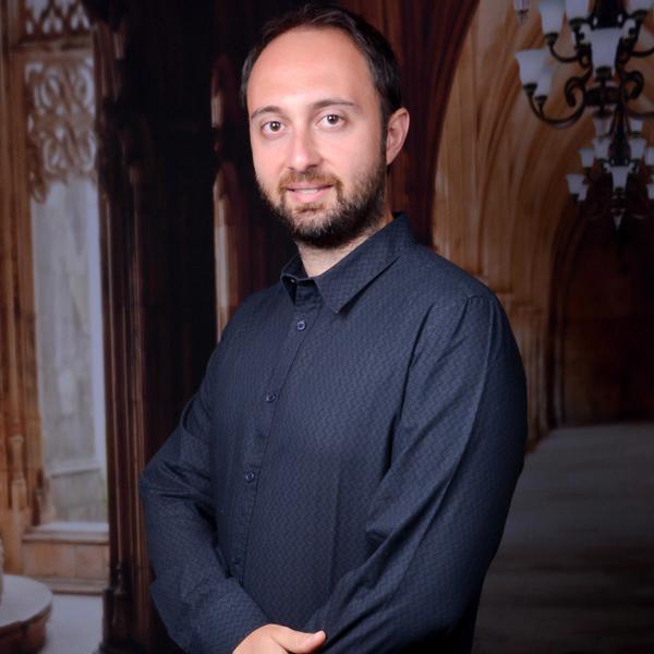 Luca Buzzavi